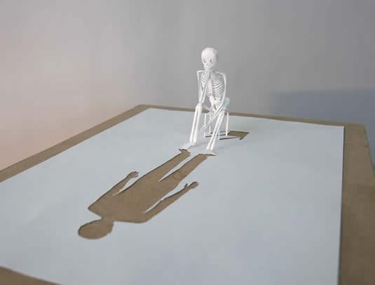 бумажный скелет