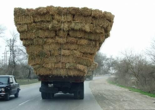 грузовик с сеном